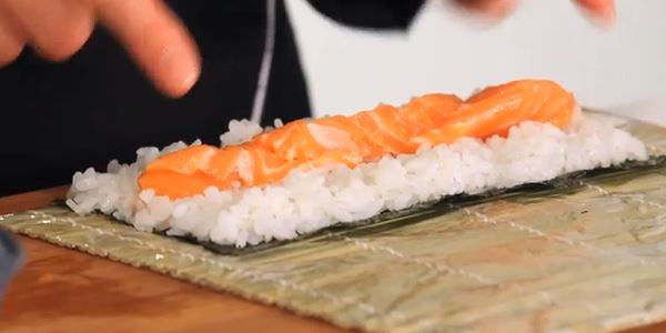 salmon_sushi_slices